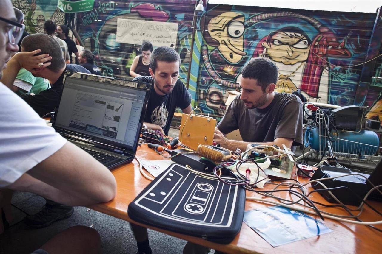Terremoto Centro Italia, l'informazione dal basso degli attivisti digitali