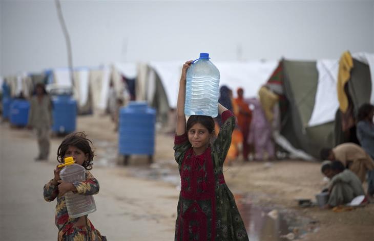 UNICEF Pakistan 2010 275 M