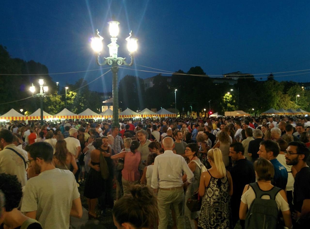 Bergamo, in 20mila per l'amatriciana solidale