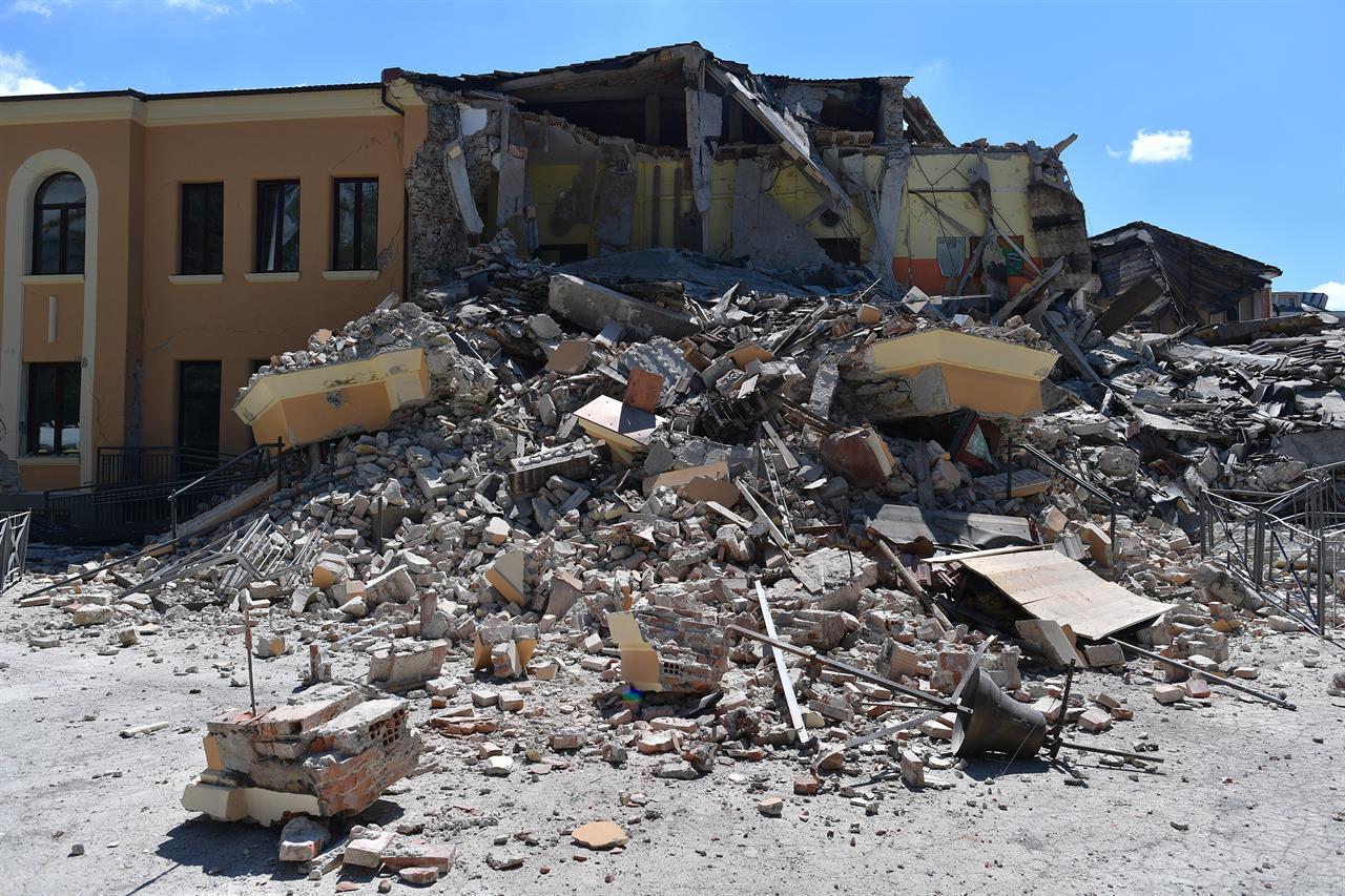 La ricostruzione parte dalle scuole